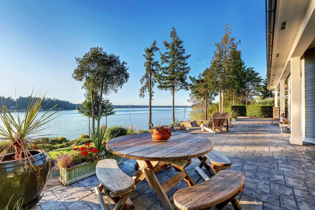 Sell your Gordon Head home, luxury waterfront homes for sale in the Sidney Peninsula